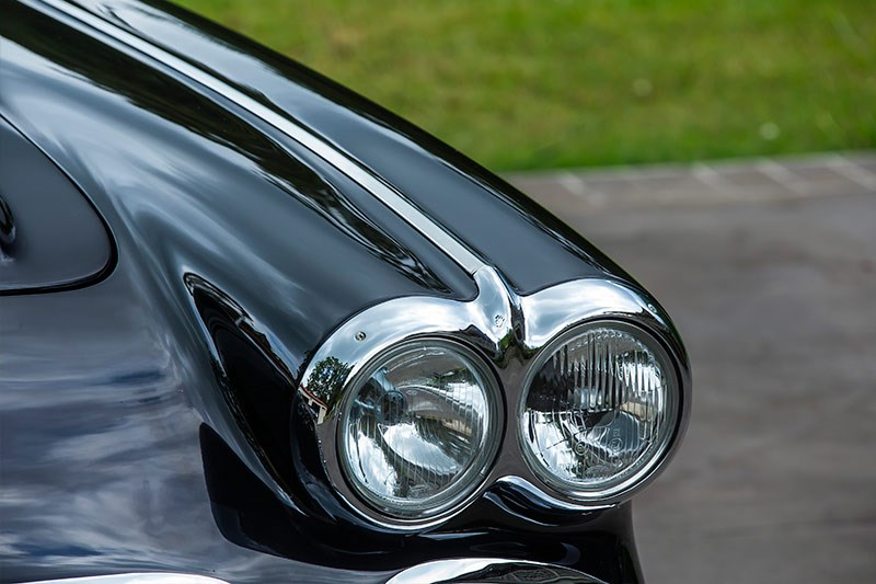 Chevrolet Corvette C1 headlights