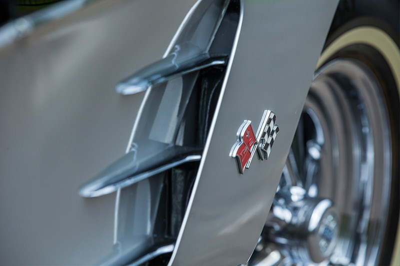 Chevrolet Corvette C1 side vents