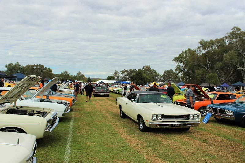 Chryslers on the murray Long