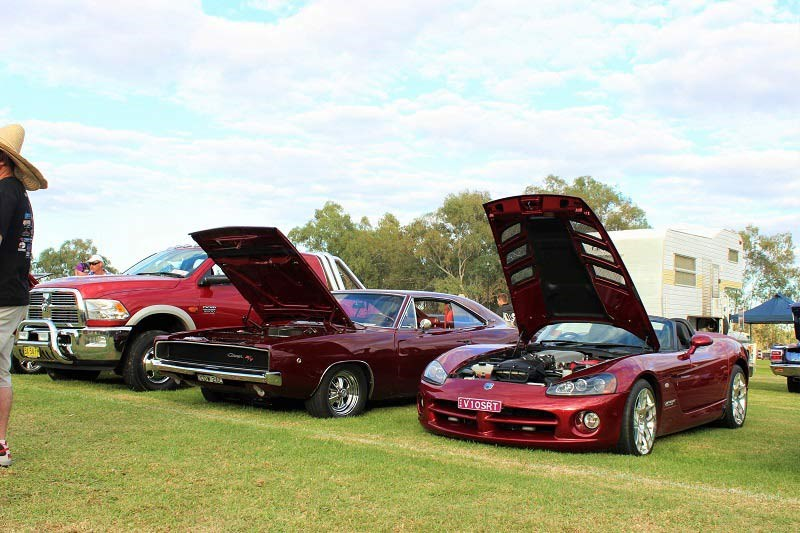 Chryslers on the murray Viper