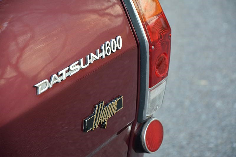 Datsun 1600 wagon rear badge