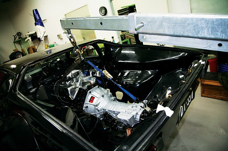 De Tomaso Pantera GT4 Tribute engine installation