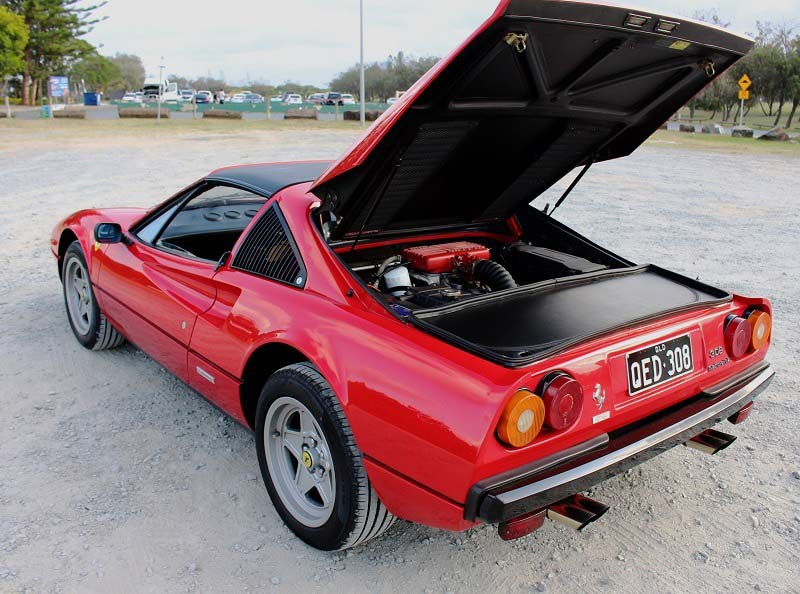 Ferrari 308 GTS QV hatch up