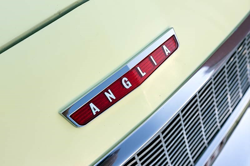 Ford Anglia resto anglia badge