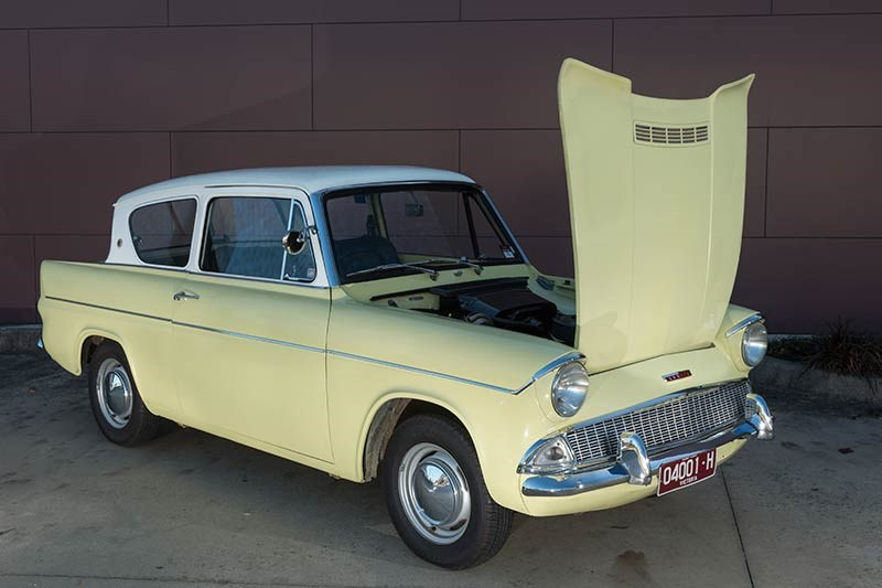 Ford Anglia resto bonnet up