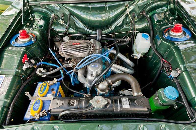 Ford Cortina mk2 gtl engine