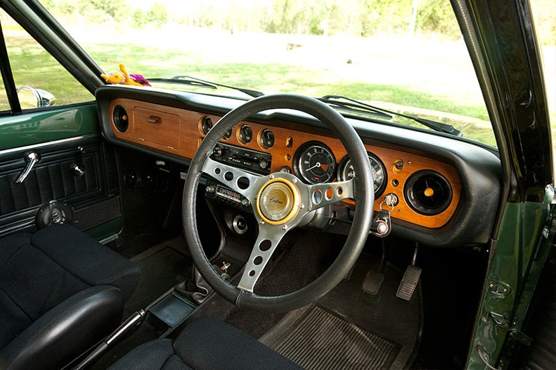 Ford Cortina mk2 gtl interior