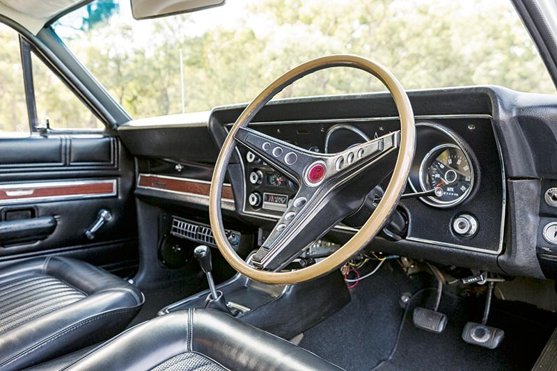 Ford Falcon XW interior dash