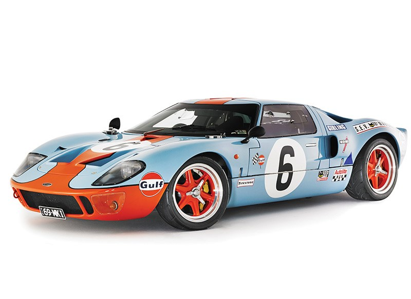 Ford GT40 side
