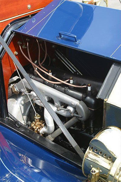 Ford Model T engine side