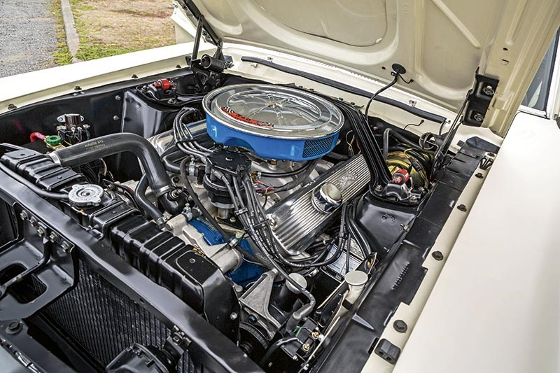 Ford Mustang GT390 engine