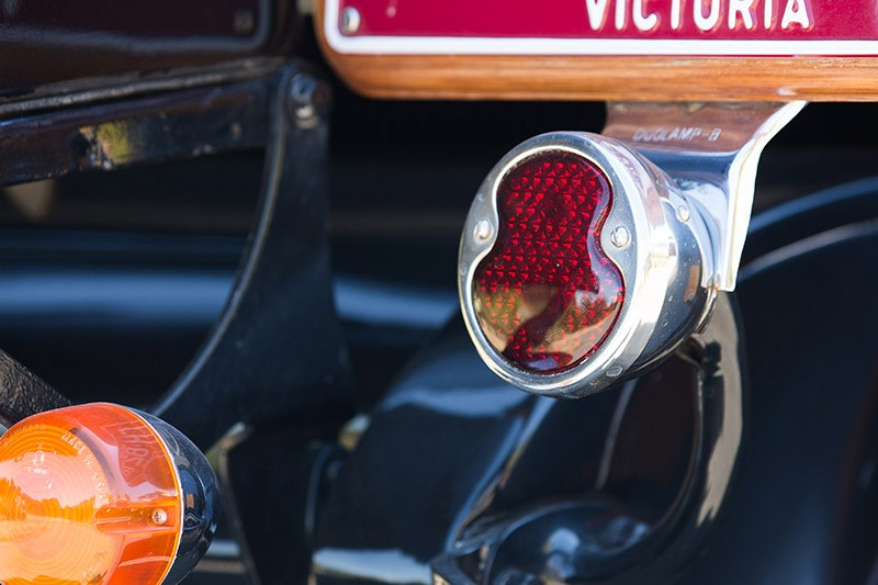 Ford V8 1932 detail tail light