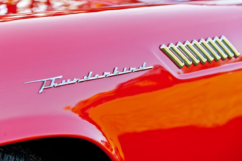 Ford thunderbird badge