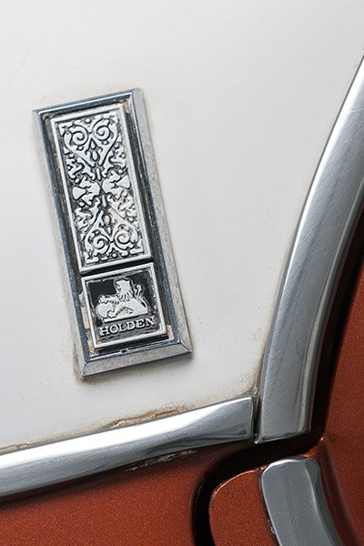 Holden HQ HZ premier badge