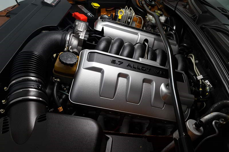 Holden V2 CV8 Monaro engine 2