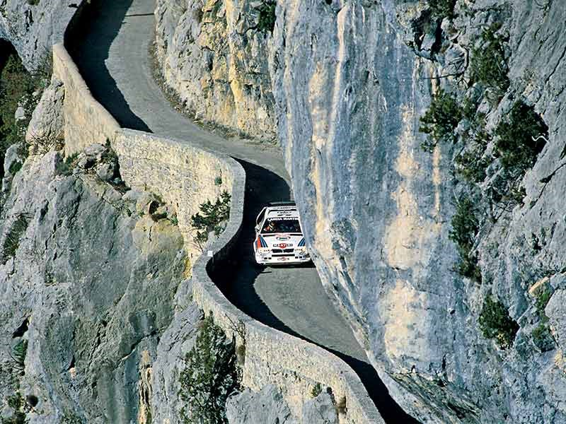 Henri Toivonen threads the needle on the 1986 Monte Carlo Rally