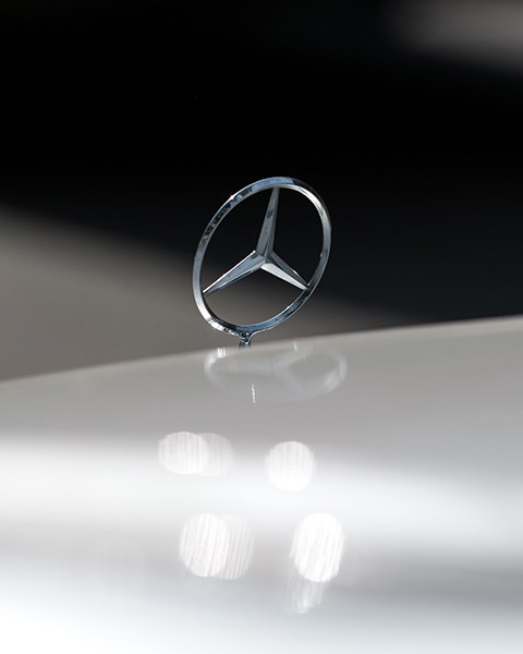 Mercedes Benz E36 AMG bonnet star3