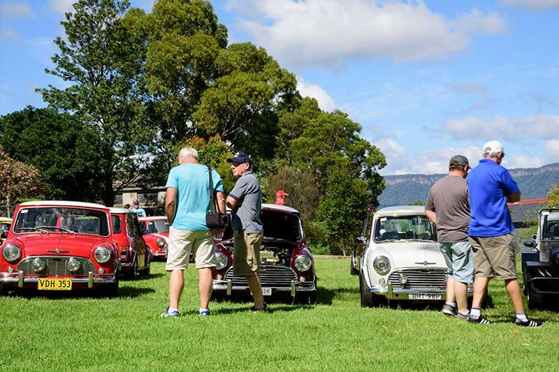 Minis in the Gong 32
