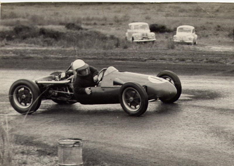 Murray Rainey cornering at Phillip Island