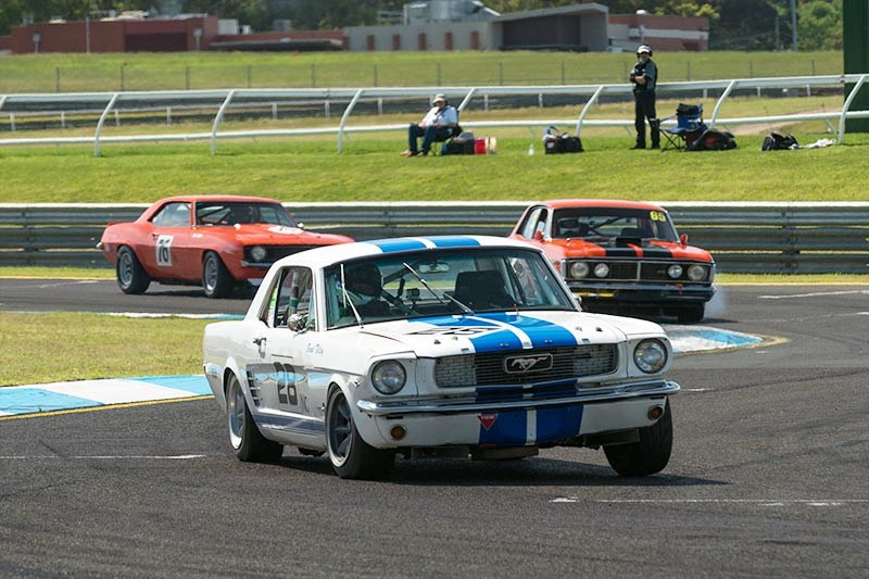 Sandown Historic 302