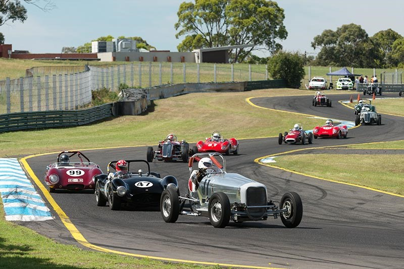 Sandown Historic 426