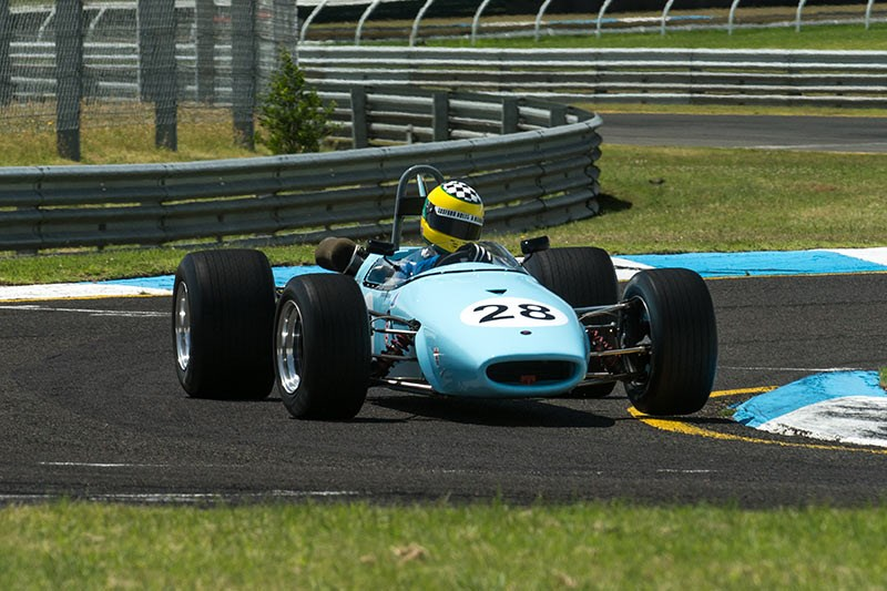 Sandown Historic 669