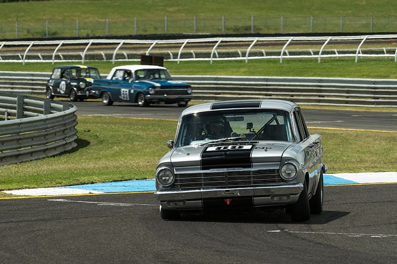 Sandown Historic 854
