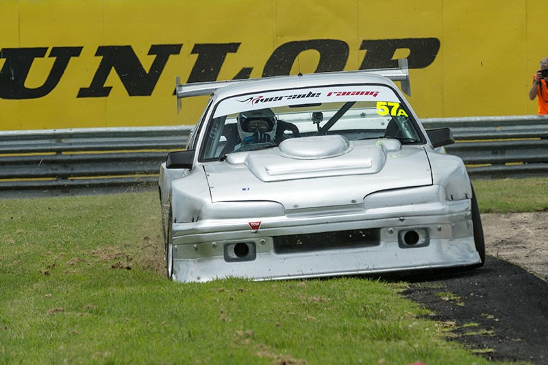 Sandown Historic 964