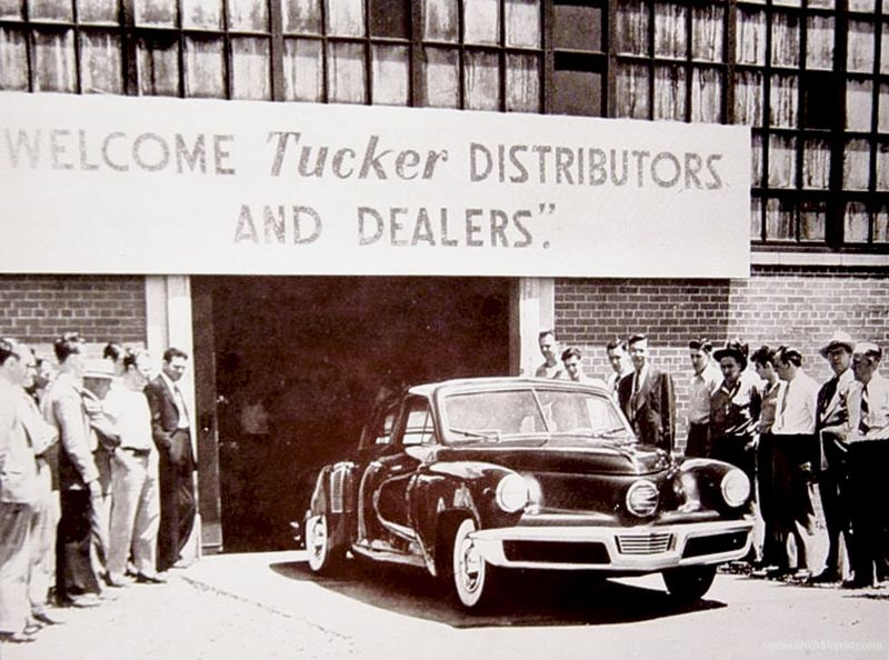 Preston Tucker eventually had 2000 or so dealer franchises signed on. That's nearly twice as many dealers as Ford lined up ten years later to sell the Edsel