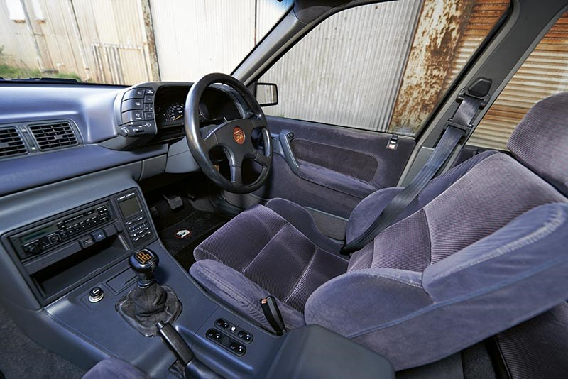 VN SS interior: a blend of Holden Calais, Walkinshaw and plastics