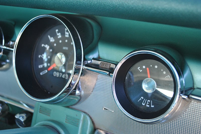 chrysler royal gauges