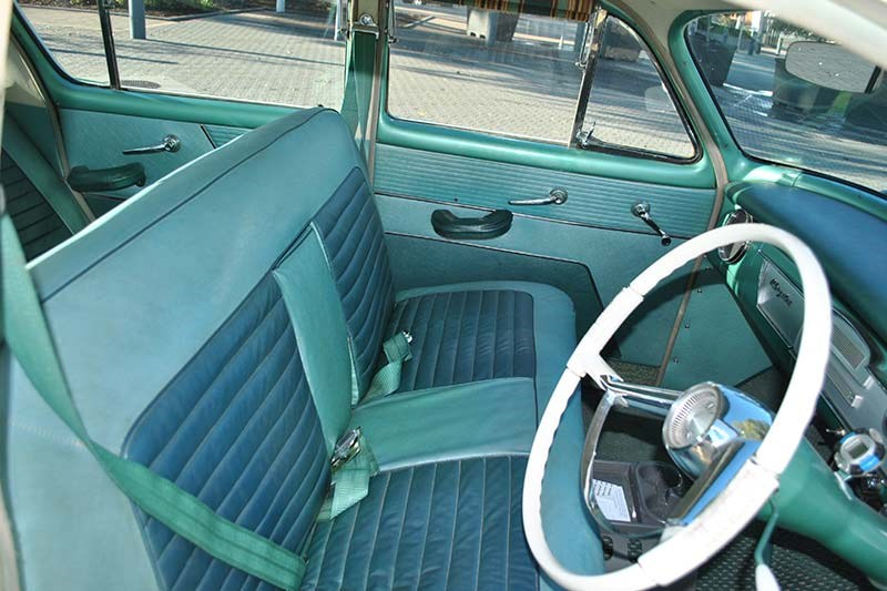 chrysler royal interior front 2