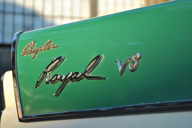 chrysler royal v8