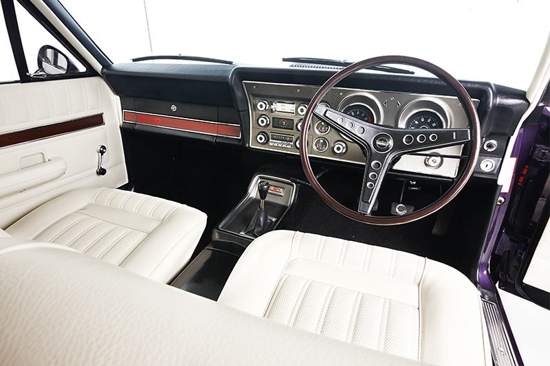 ford falcon xy gt ho interior front