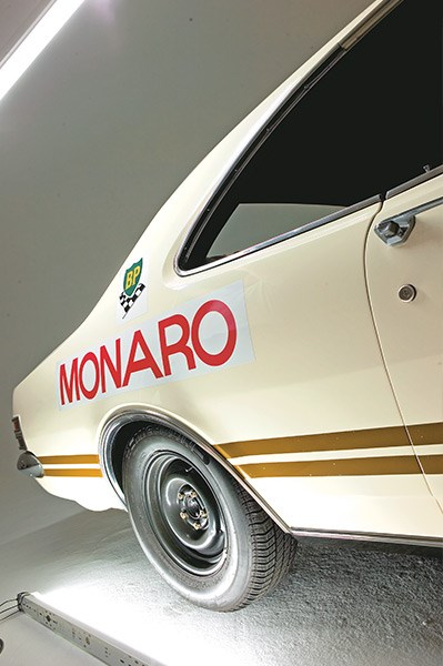 holden ht monaro 350 rear quarter