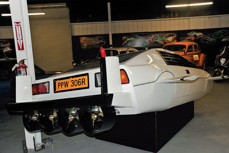 james bond lotus esprit turbo rear