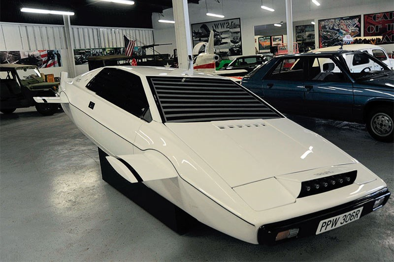 james bond lotus esprit turbo