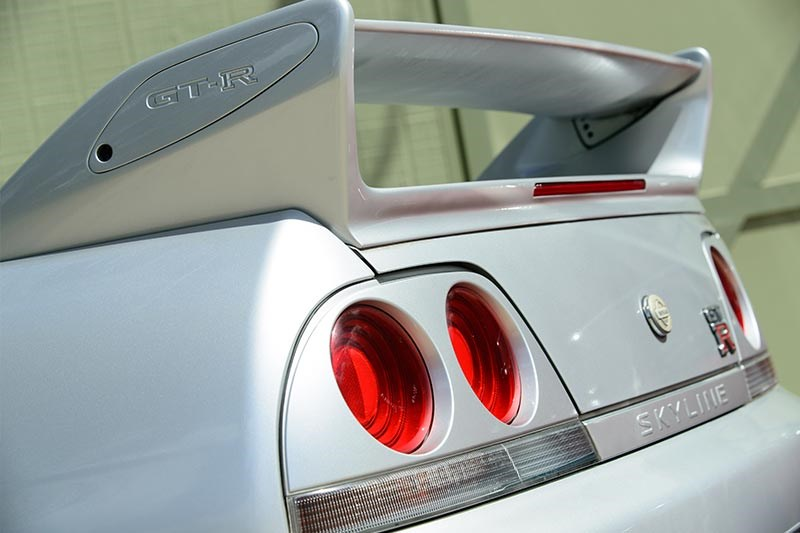 nissan skyline rear detail