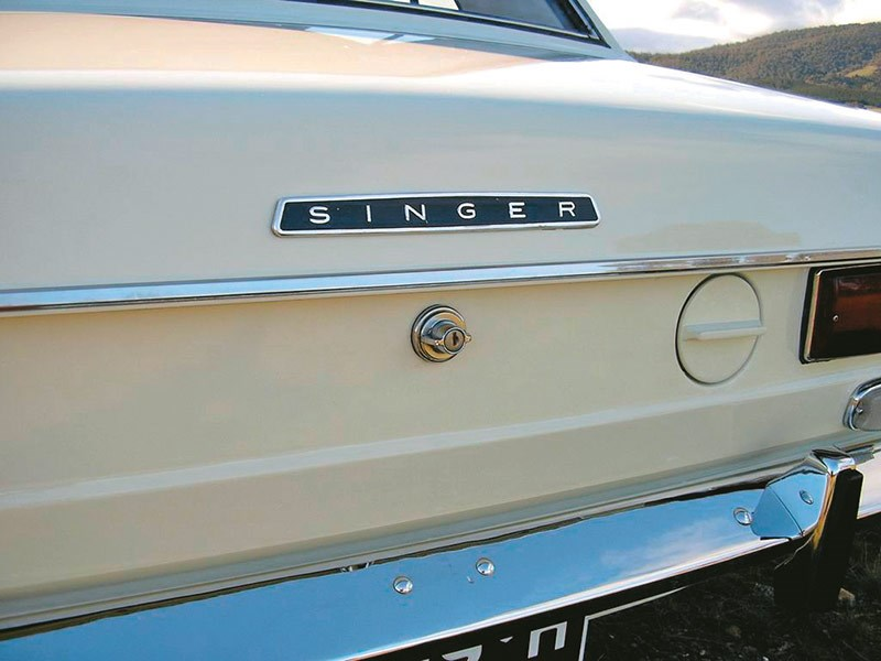 Rootes Group owner Chrysler discontinued the Singer brand and the badge disappeared in 1970, although some Sunbeams were badged as Vogues