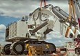 Video: Assembling Liebherr's 800-tonne excavator