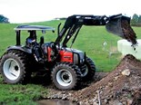 Valtra B900 Tractor Test - Basic necessities