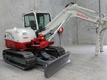 Semco unveils new angled dozer blade option for Takeuchi TB285