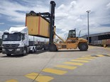Container loading at Acacia Ridge. Image courtesy of Aurizon
