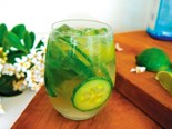 Ch'i cucumber and gin spritzer