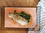 Grilled fish with garlic fried water spinach