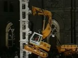 Video: Liebherr excavator climbing vertical wall