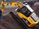 Video: Excavator fail/win compilation pt 3