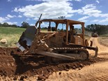 1982 Caterpillar D5B bulldozer