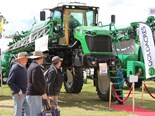 Oz farm machinery market records stellar 2015