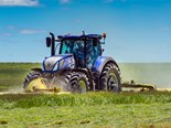 New Holland T7.315 HD blue power tractor